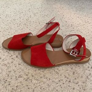 Kenneth Cole Reaction red sandals